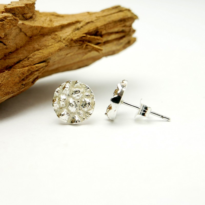 Small sterling silver Litchi earrings Litchi 57,00€