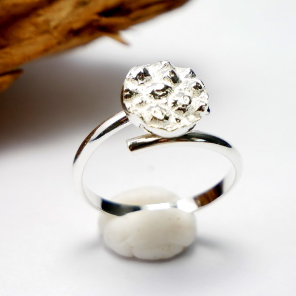 Little sterling silver Litchi adjustable ring Litchi 57,00 €