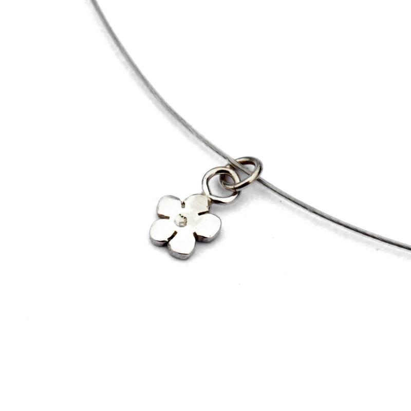 Small Prunus flower pendant in 925/1000 solid silver and cabled nylon thread Desiree Schmidt Paris Prunus 27,00€