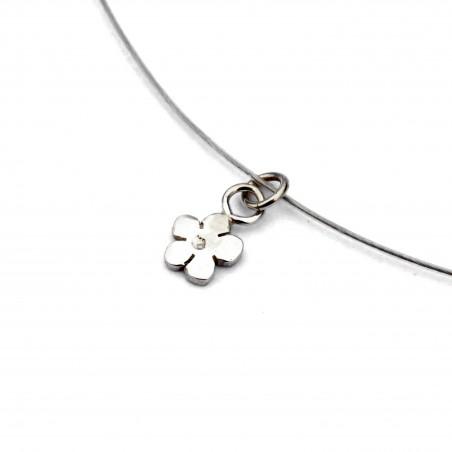 Sakura flower pendant earrings. Fine golded bronze.