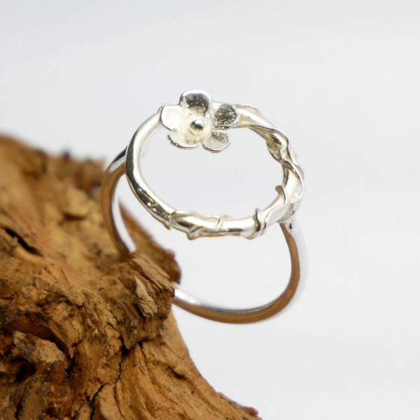 Sterling silver Sakura flower ring Sakura 67,00€