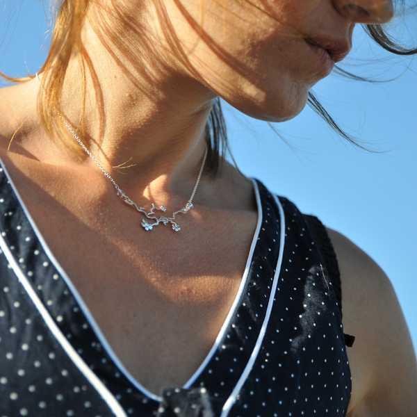 Prunus flower ajustable necklace. Sterling silver.  Prunus 77,00€