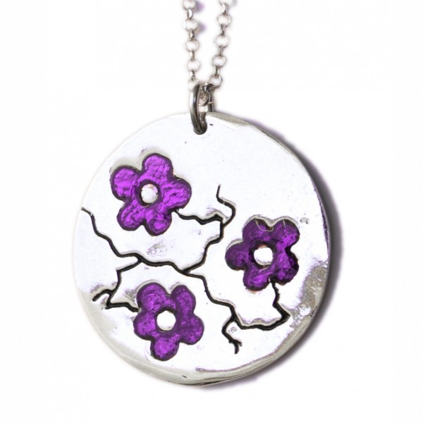 Cherry Blossom round necklace. Sterling silver and violet resin.  Cherry Blossom 85,00 €