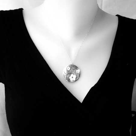 Violet Cherry Blossom big necklace. Sterling silver and resin. Desiree Schmidt Paris Cherry Blossom 107,00€