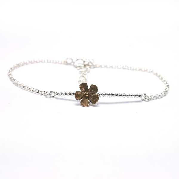 Small Sakura flower bracelet in sterling silver and bronze Sakura 39,00€