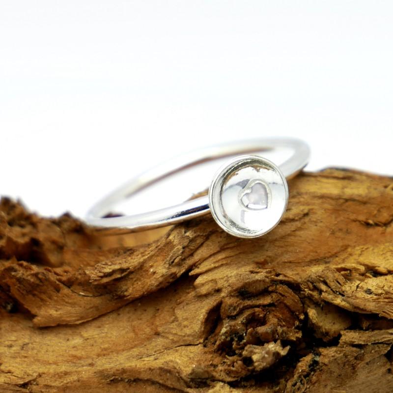 Petite bague coeur minimaliste en argent massif 925/1000 MIN 23,00€