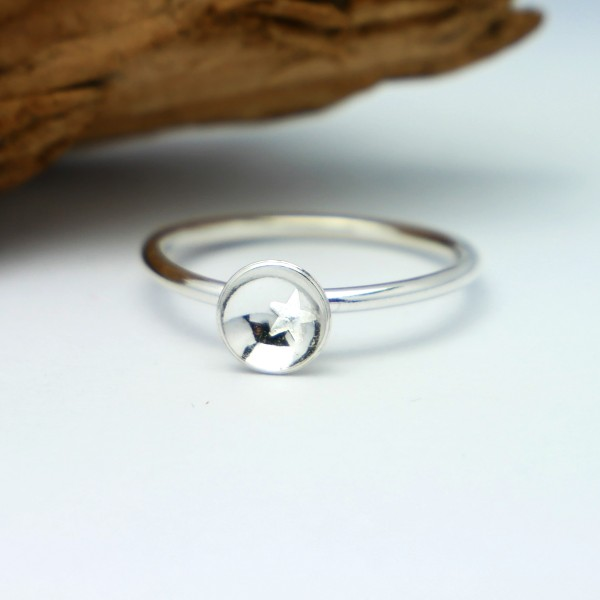 Sterlind silver star minimalist ring MIN 23,00 €