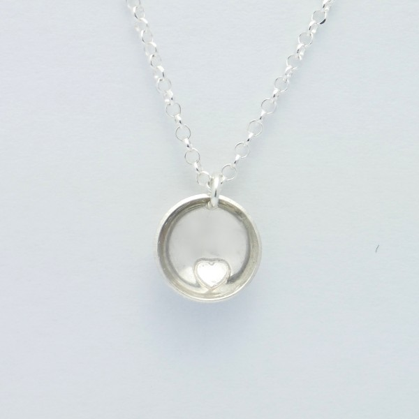 Sterling silver minimalist necklace with heart MIN 27,00€