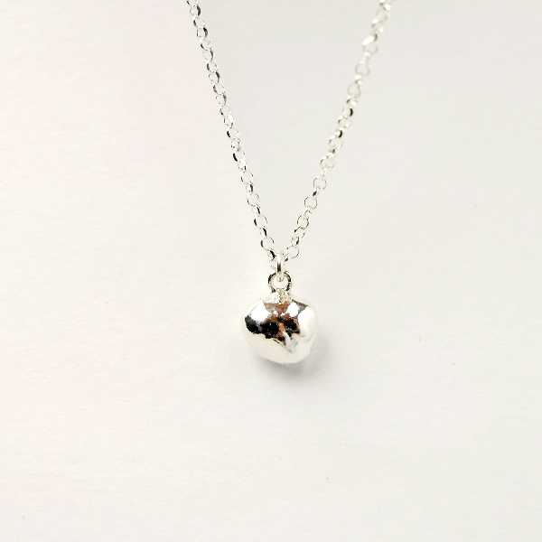 Sterling silver cocoon necklace with Nugget pendant Nuggets 30,00€