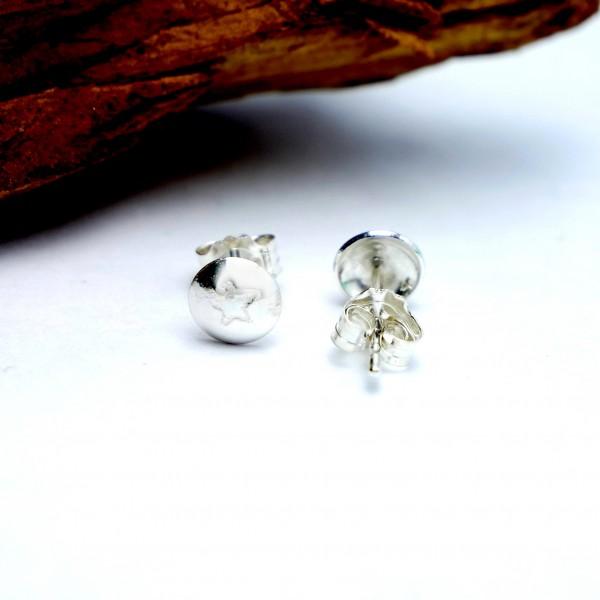 Sterling silver small minimalist star earrings MIN 25,00€