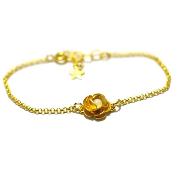 Petit bracelet fleur Rose blanc opaque doré à l'or fin  Rose 35,00€