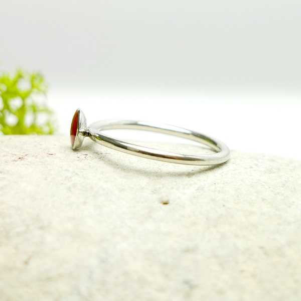 Little sterling silver ring with poppy red resin  NIJI 25,00€