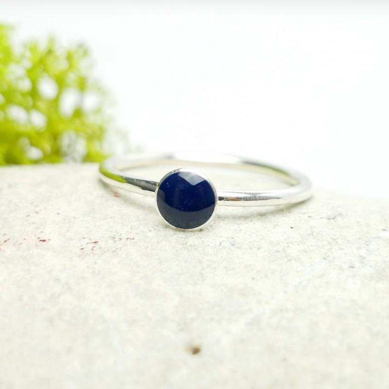 Minimalistischer kleiner Sterling Silber Ring mit blaues Harz NIJI 25,00€