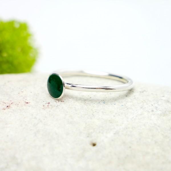 Minimalistischer kleiner Sterling Silber Ring mit Grünes Harz  NIJI 25,00€