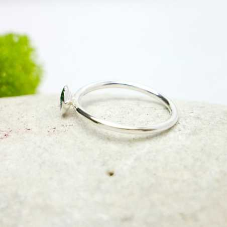 Little sterling silver ring with fir green resin NIJI 25,00€