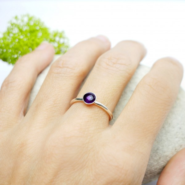 Little sterling silver ring with dark violet resin  NIJI 25,00 €