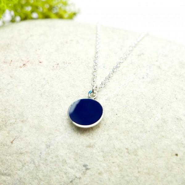 Pendentif minimaliste en argent 925 et résine bleue marine Desiree Schmidt Paris NIJI 27,00€