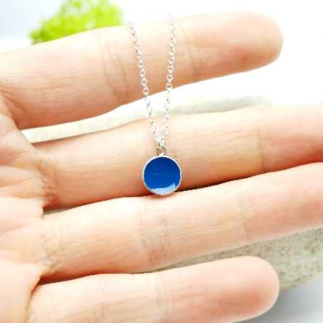 Pendentif minimaliste en argent 925 et résine bleue pervenche  NIJI 27,00€