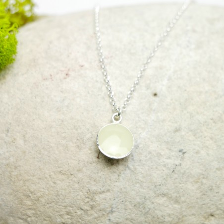 Sterling silver phosphorescent pendent with chain  NIJI 27,00€