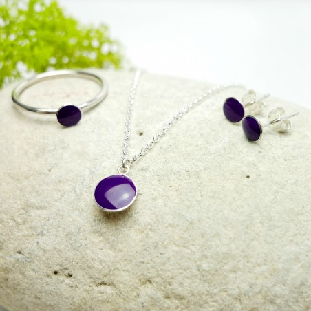 Sterling silver minimalist earrings with violet resin NIJI 25,00 €