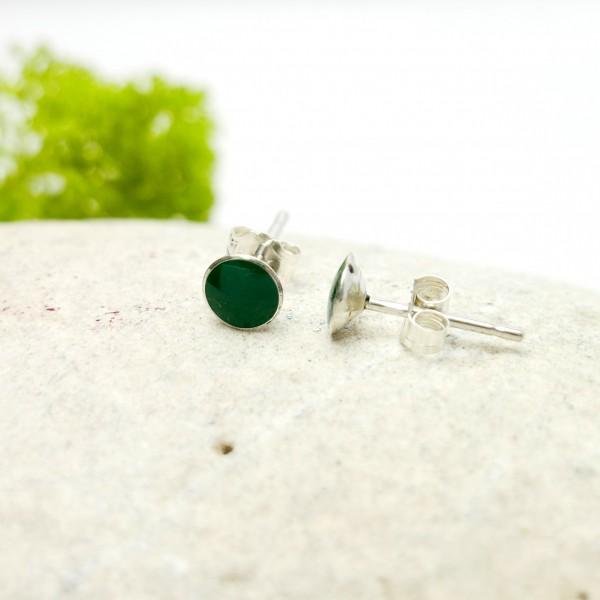Sterling silver minimalist earrings with fir green resin NIJI 25,00€