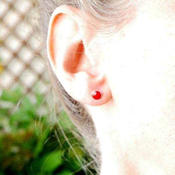 Minimalistische kleine Sterling Silber Ohrringe mit Mohnblumen rotes Harz NIJI 25,00€