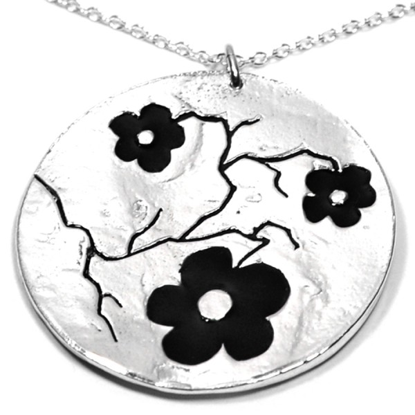 Cherry Blossom big round necklace. Sterling silver and resin.  Cherry Blossom 107,00€