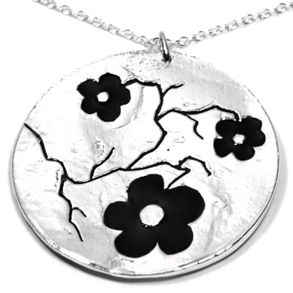 Grosse Kirschblume schwarze Kette. Sterling Silber.  Kirschblumen 107,00€