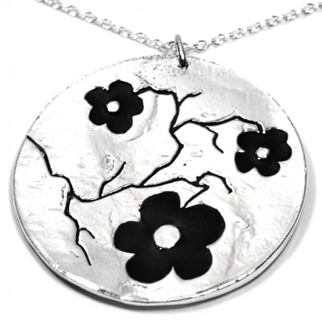 Cherry Blossom big round necklace. Sterling silver and resin.  Cherry Blossom 107,00 €