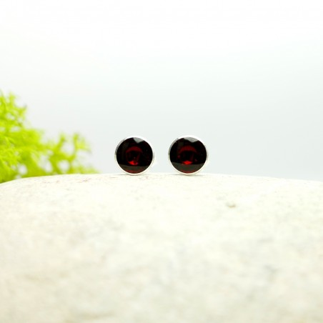 Sterling silver minimalist earrings with garnet red resin  NIJI 25,00€