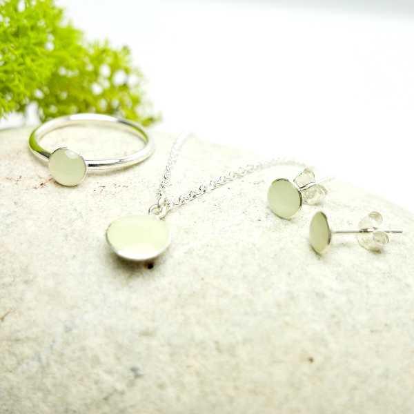 Sterling silver minimalist earrings with phosphorescent resin  NIJI 25,00€