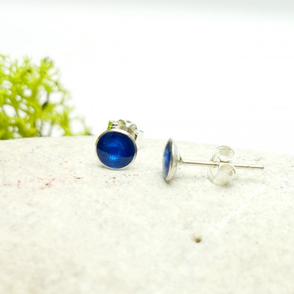 Sterling silver minimalist earrings with transluscentblue resin  NIJI 25,00 €