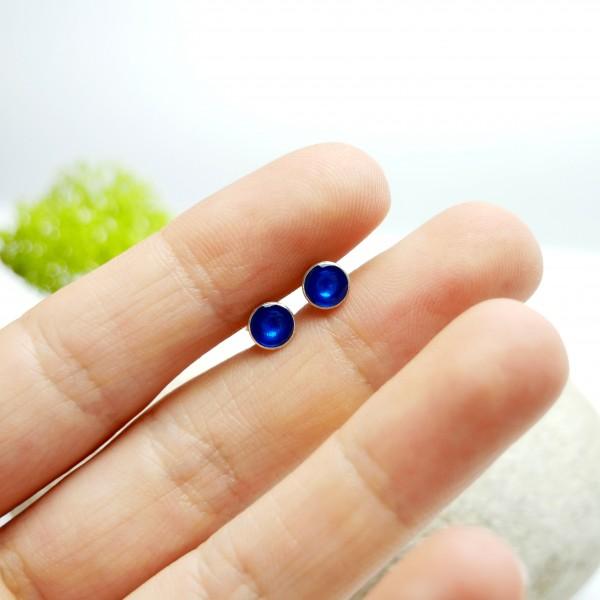 Minimalistische kleine Sterling Silber Ohrringe mit Ocean blaues Harz NIJI 25,00€