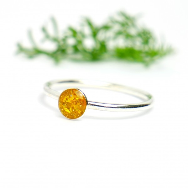 Little sterling silver ring with amber yellow sequined resin  NIJI 25,00 €