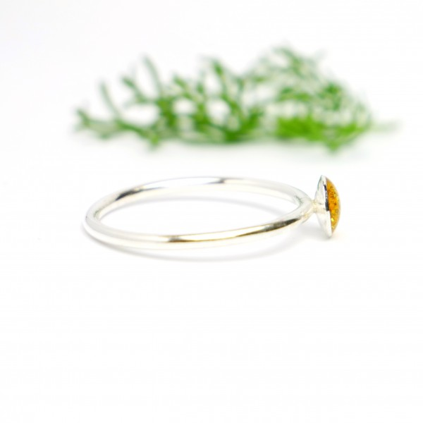 Little sterling silver ring with amber yellow sequined resin NIJI 25,00€
