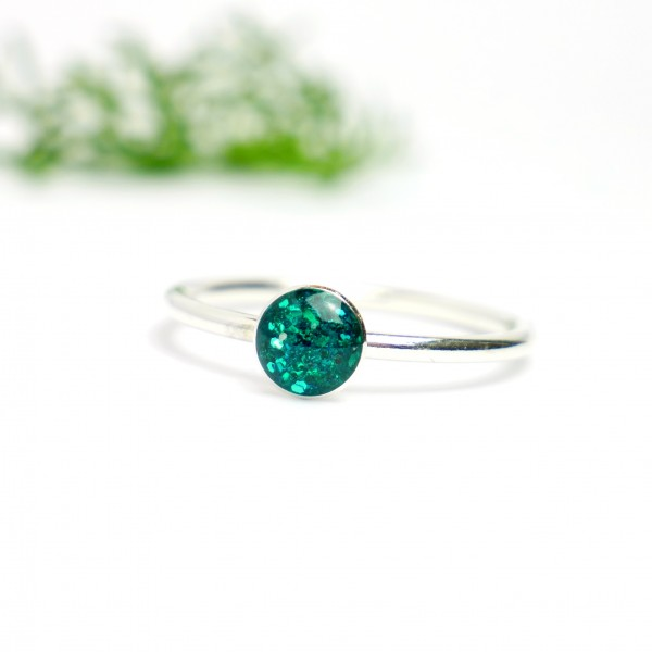 Minimalistischer kleiner Sterling Silber Ring Mit Pailletten besetztes Enten grünes Harz  NIJI 25,00€