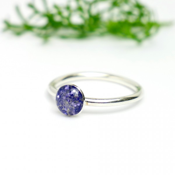 Minimalistischer kleiner Sterling Silber Ring Mit Pailletten besetztes violettes Harz NIJI 25,00€