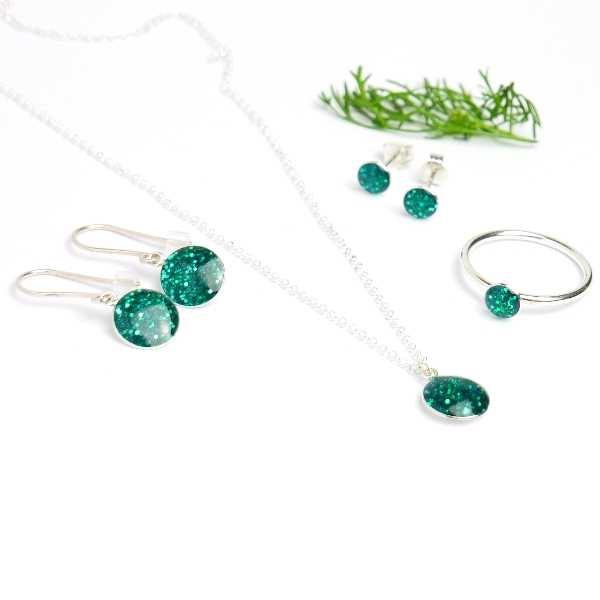 Sterling silver minimalist earrings with sequined duck green resin  NIJI 25,00€