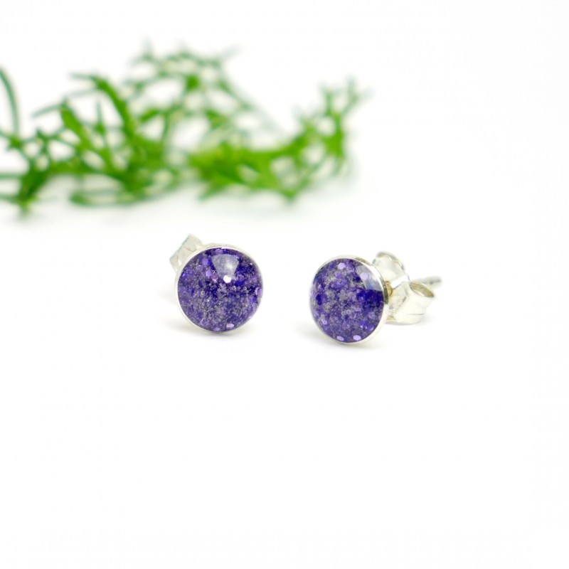 Minimalistische kleine Sterling Silber Ohrringe mit Pailleten besetztes Violettes Harz  NIJI 25,00€
