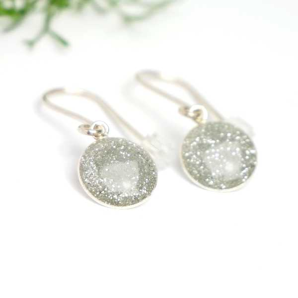 Sterling silver grey sequins minimalist pendent earrings NIJI 30,00 €