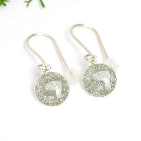 Minimalistische lange Sterling Silber Ohrringe mit Pailletten besetztes Graues Harz NIJI 30,00€
