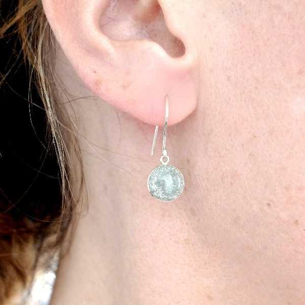 Boucles d'oreilles pendantes gris pailleté en argent 925 NIJI 30,00€