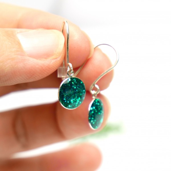 Boucles d'oreilles pendantes vert canard pailleté en argent 925 NIJI 30,00€