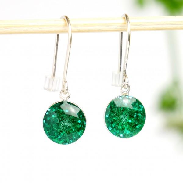 Minimalistische lange Sterling Silber Ohrringe mit Pailletten besetztes Smaragdgrünes Harz NIJI 30,00€