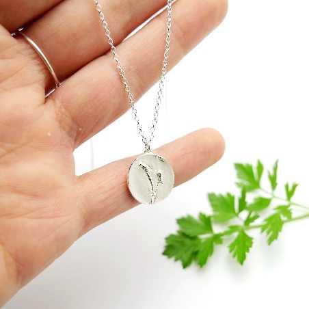 Pendentif sur chaine en argent 925/1000 avec deux petites fleurs des champs Herbier 57,00€