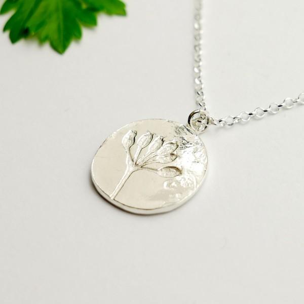 Sterling silver wildflowers pendant on chain Herbier 57,00€