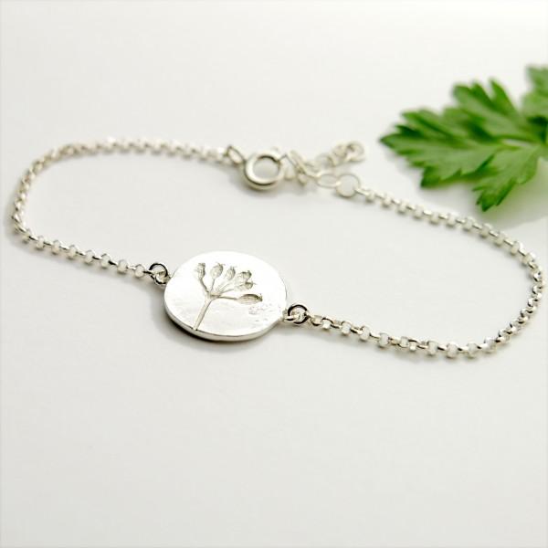 bracelet en argent 925/1000 avec une petite fleur des champs  Herbier 57,00€