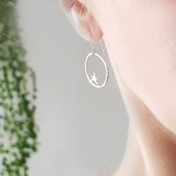 Boucles d'oreilles pendantes étoile Nova en argent massif Nova 65,00€