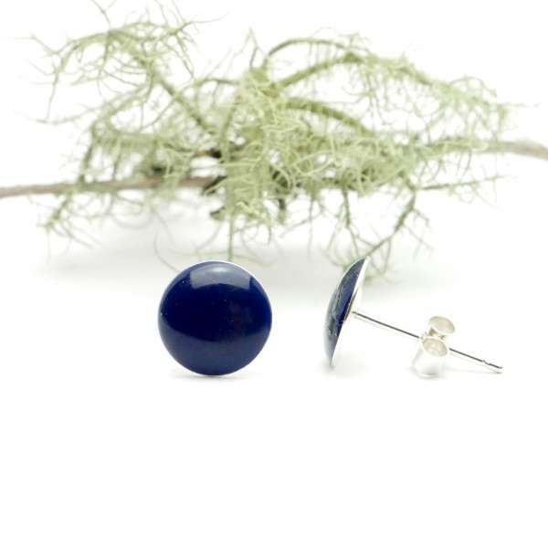 Sterling silver minimalist earrings with dark blue resin NIJI 30,00 €