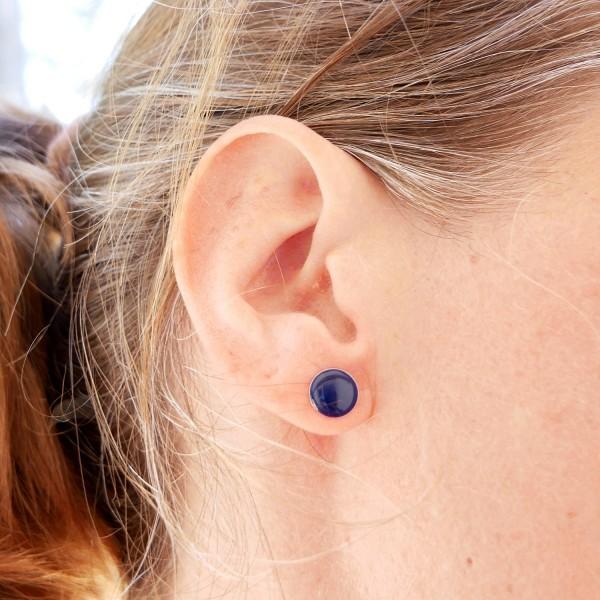 Boucles d'oreilles rondes en argent 925 et résine bleu marine collection Niji NIJI 30,00€